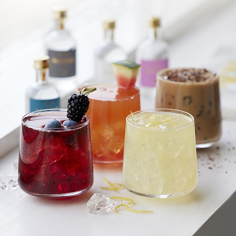 Tastingbox, glas, gin og opskrifter